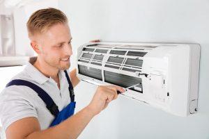 Làm gì khi máy lạnh chảy nước ở cục lạnh?